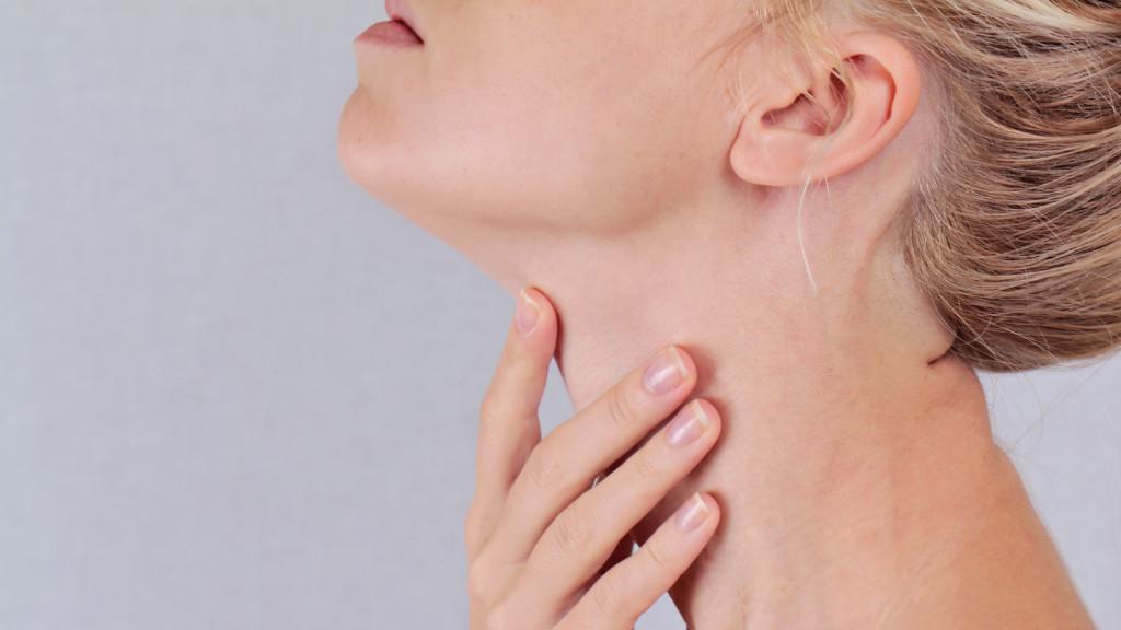hogyan kell kezelni a nyaki szemölcsöket condyloma papilloma férfiaknál